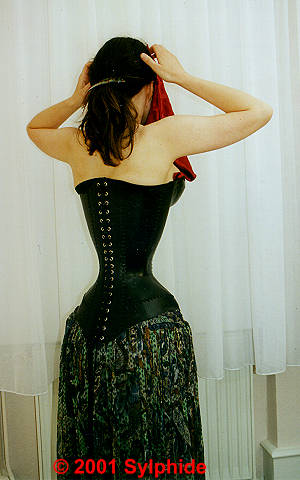 sylphide in leather corsets